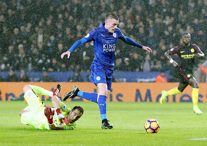 PHOTOS: Leicester thrash City, Arsenal go top