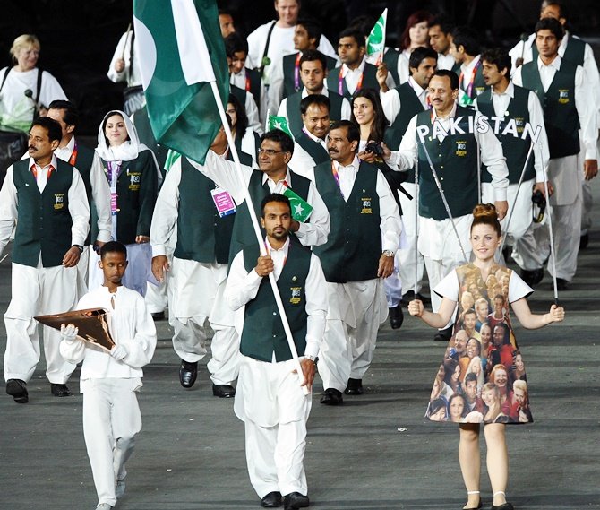 Rediff Sports - Cricket, Indian hockey, Tennis, Football, Chess, Golf - Govt gives green signal to Pakistan contingent for South Asian Games