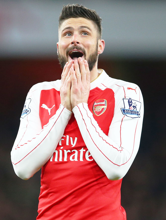 Arsenal striker Giroud ruled out of Tottenham game; Aguero fit