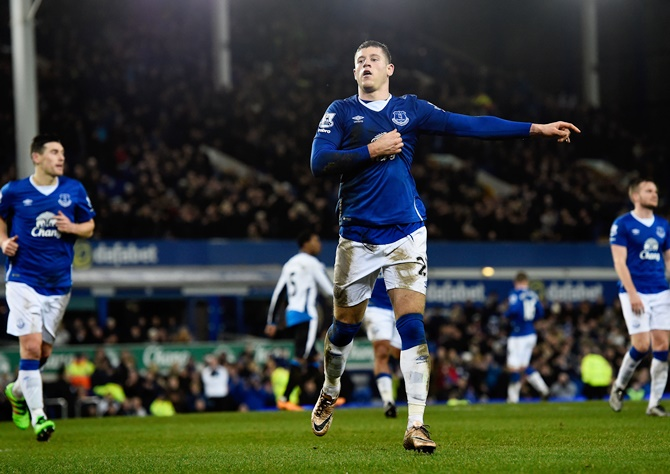 Rediff Sports - Cricket, Indian hockey, Tennis, Football, Chess, Golf - EPL PIX: Chelsea fail to fire, Everton sink Newcastle