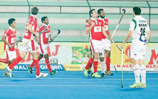 Rediff Sports - Cricket, Indian hockey, Tennis, Football, Chess, Golf - HIL: Dabang Mumbai stun Uttar Pradesh Wizards