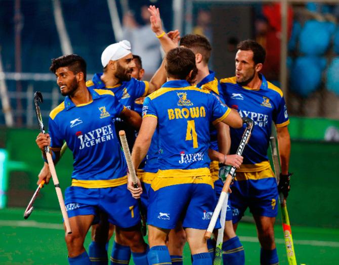 Rediff Sports - Cricket, Indian hockey, Tennis, Football, Chess, Golf - HIL: Punjab Warriors end Lancers' winning streak