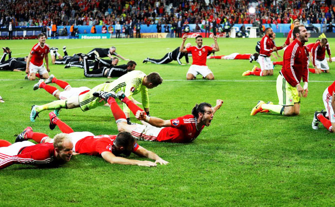 Rediff Sports - Cricket, Indian hockey, Tennis, Football, Chess, Golf - Euro 2016: Welsh underdogs revel in greatest night with Belgium win