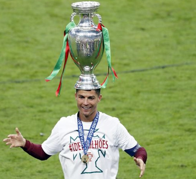 Rediff Sports - Cricket, Indian hockey, Tennis, Football, Chess, Golf - Ronaldo goes from agony to ecstasy as Portugal triumph