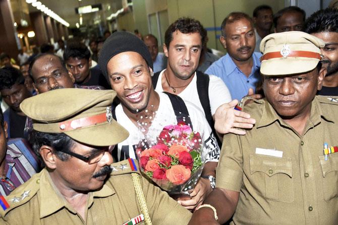 Rediff Sports - Cricket, Indian hockey, Tennis, Football, Chess, Golf - Brazil football legend Ronaldinho arrives in India for Premier Futsal