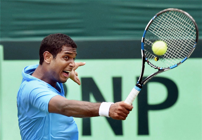 Rediff Sports - Cricket, Indian hockey, Tennis, Football, Chess, Golf - Davis Cup: Ramanathan, Myneni give India 2-0 lead over South Korea