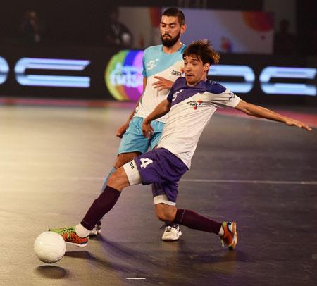 Rediff Sports - Cricket, Indian hockey, Tennis, Football, Chess, Golf - Premier Futsal: Late bloomers Kochi beat Mumbai 4-1