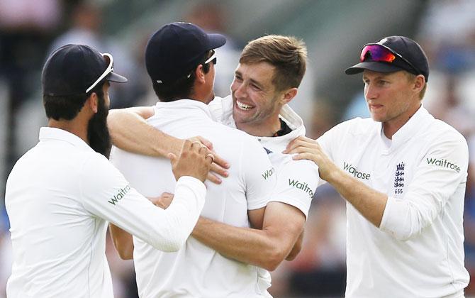 Rediff Cricket - Indian cricket - PHOTOS, Lord's Test, Day 3: Pakistan take 281-run lead vs England