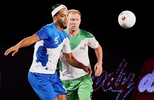 Rediff Sports - Cricket, Indian hockey, Tennis, Football, Chess, Golf - Ronaldinho leaves for Brazil, not to play Goa leg of Futsal