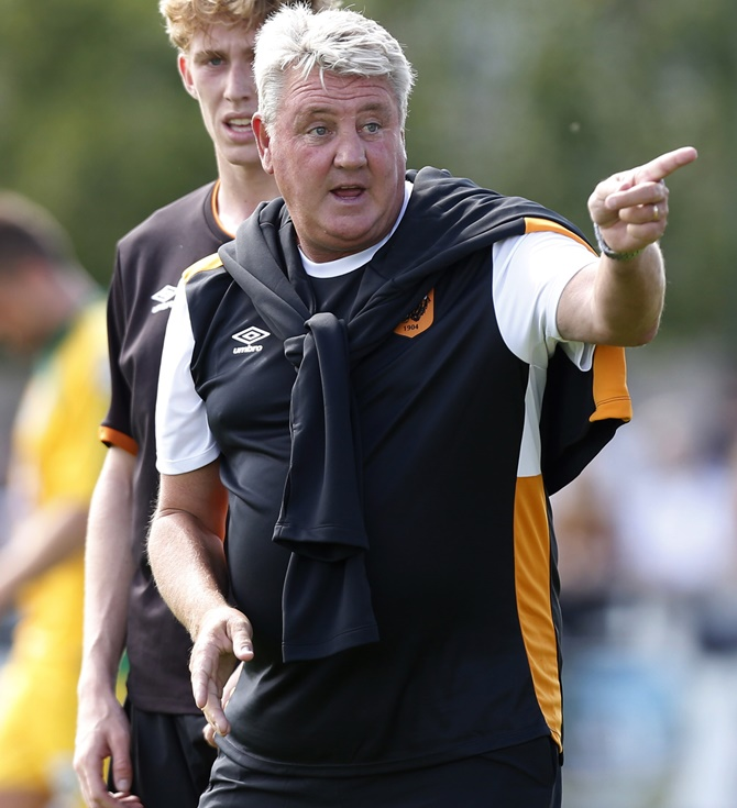 Rediff Sports - Cricket, Indian hockey, Tennis, Football, Chess, Golf - Hull boss Bruce is second manager to be interviewed for England job