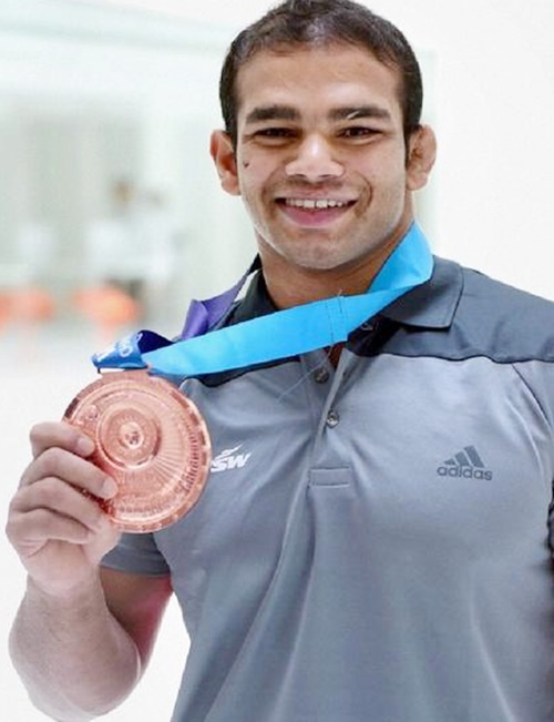 Rediff Sports - Cricket, Indian hockey, Tennis, Football, Chess, Golf - Wrestling federation throws its weight behind Narsingh