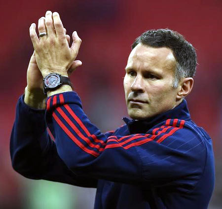 Rediff Sports - Cricket, Indian hockey, Tennis, Football, Chess, Golf - Giggs on Futsal: I have learnt a lot and enjoyed it