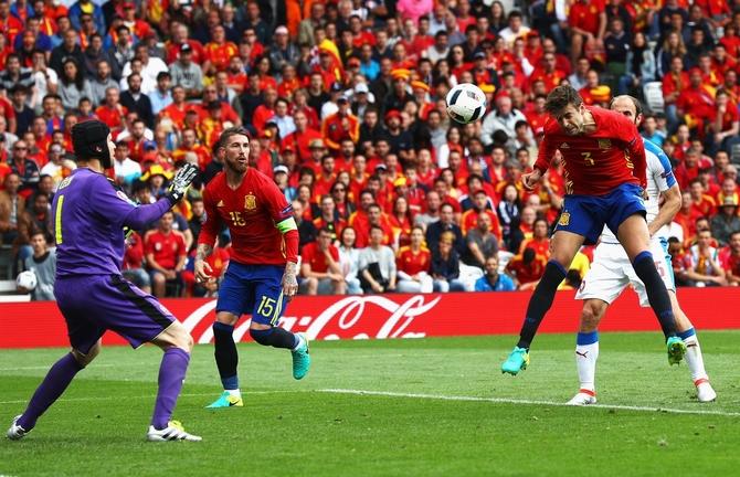 Rediff Sports - Cricket, Indian hockey, Tennis, Football, Chess, Golf - Euro: Spain edge Czechs after Pique's late header