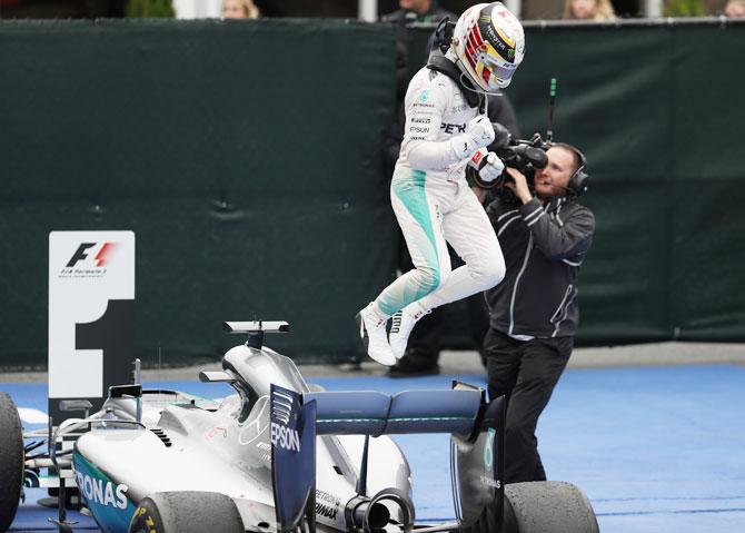 Formula One: Hamilton wins fifth Canadian win