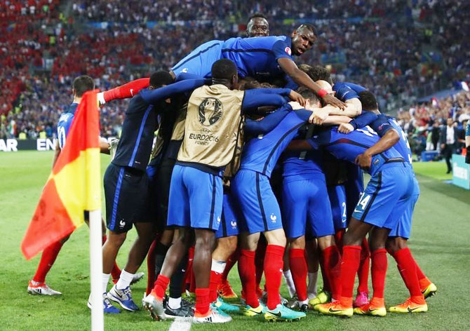 Rediff Sports - Cricket, Indian hockey, Tennis, Football, Chess, Golf - Turning point: The ploy that worked for Deschamps's France