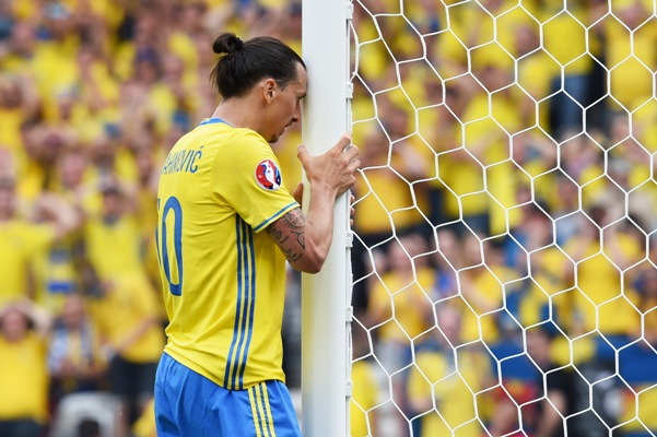 Rediff Sports - Cricket, Indian hockey, Tennis, Football, Chess, Golf - No Euro swansong but Ibrahimovic proud after final curtain call