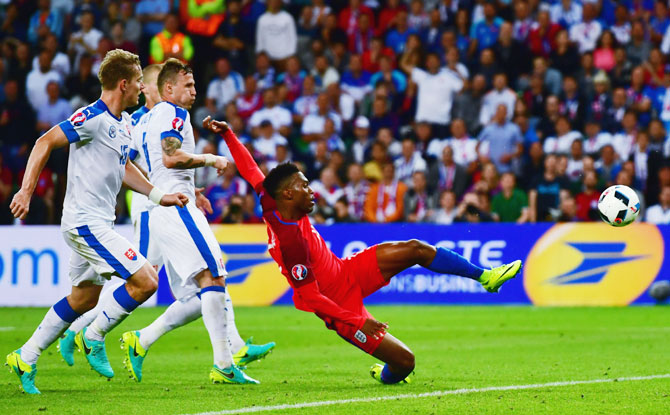 Rediff Sports - Cricket, Indian hockey, Tennis, Football, Chess, Golf - Euro: England advance after stalemate with Slovakia