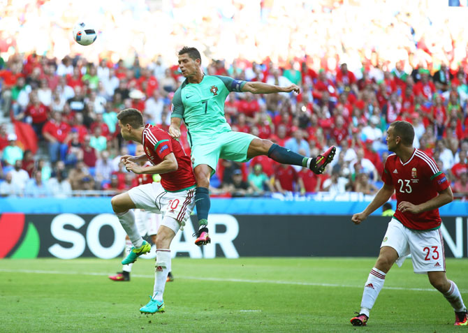 Rediff Sports - Cricket, Indian hockey, Tennis, Football, Chess, Golf - Euro: Hungary and Portugal through after thrilling 3-3 draw