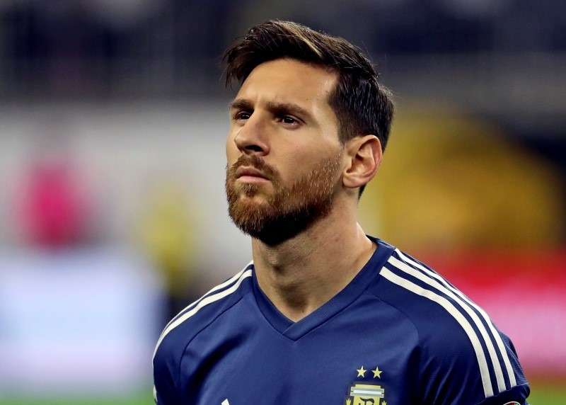 Rediff Sports - Cricket, Indian hockey, Tennis, Football, Chess, Golf - Football Briefs: Messi demands Argentina improvement ahead of World Cup