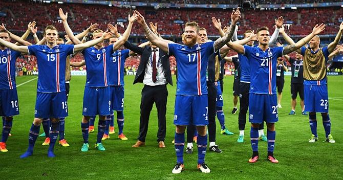 Rediff Sports - Cricket, Indian hockey, Tennis, Football, Chess, Golf - Will Iceland melt under English pressure?