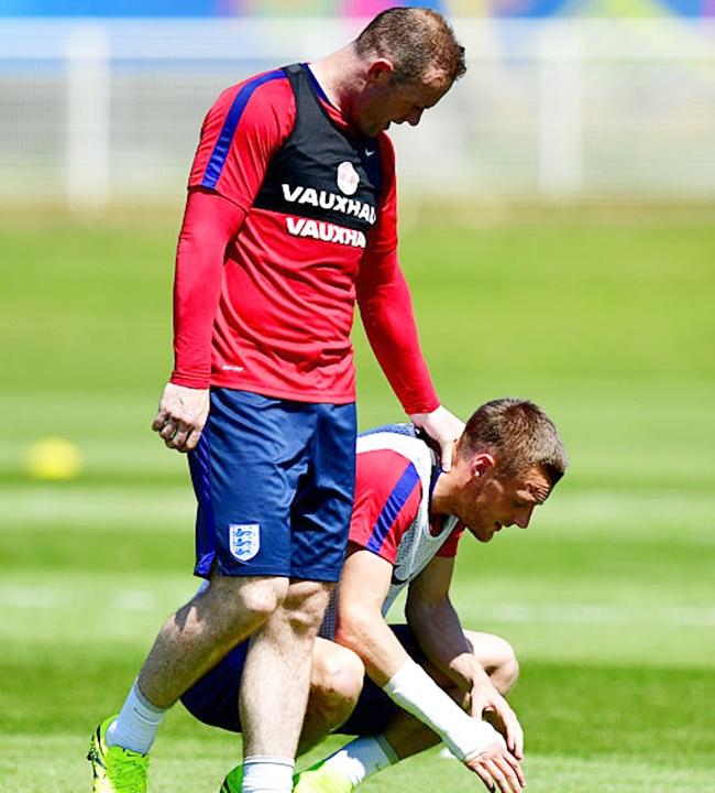 Rediff Sports - Cricket, Indian hockey, Tennis, Football, Chess, Golf - England's Hodgson dismisses report of Rooney-Vardy rift
