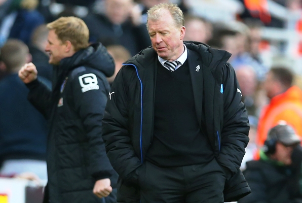 Newcastle United manager Steve McLaren looks dejected