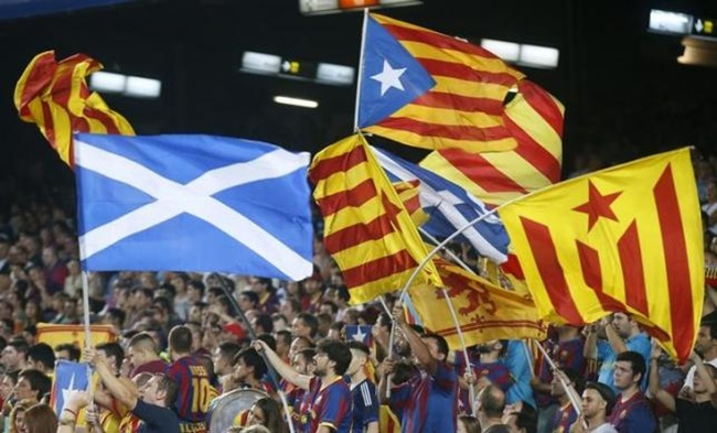 Rediff Sports - Cricket, Indian hockey, Tennis, Football, Chess, Golf - Catalan nationalists to give Scottish flags to Barcelona fans