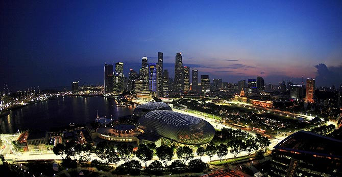 Singapore in the driving seat as it negotiates new F1 deal