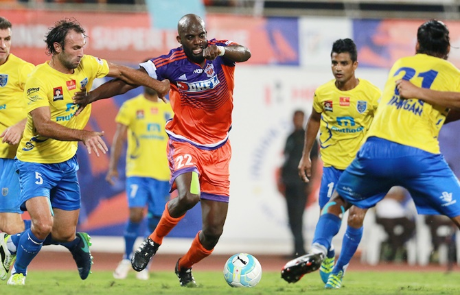 Rediff Sports - Cricket, Indian hockey, Tennis, Football, Chess, Golf - ISL: Pune City play out draw with Kerala Blasters