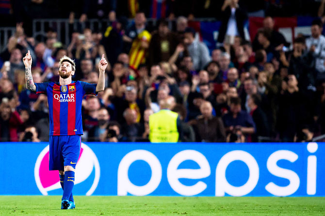 Rediff Sports - Cricket, Indian hockey, Tennis, Football, Chess, Golf - Enrique and Guardiola praise carefree Messi