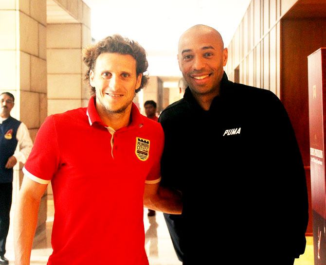 Uruguay legend and Mumbai City FC's Diego Forlan and French football legend Thierry Henry make for an epic picture before the Indian Super League match between Atletico de Kolkata and Mumbai City FC in Kolkata on Tuesday