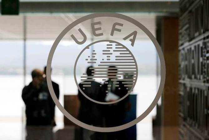 Rediff Sports - Cricket, Indian hockey, Tennis, Football, Chess, Golf - Football Briefs: European coaches ask UEFA to review away goals rule