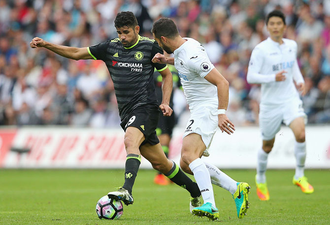 EPL: Chelsea held by Swansea in controversial 2-2 draw