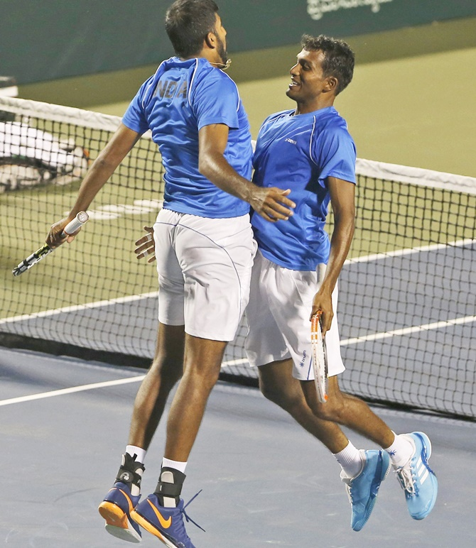 Rediff Sports - Cricket, Indian hockey, Tennis, Football, Chess, Golf - Davis Cup: Bopanna-Balaji seal India's place in play-offs