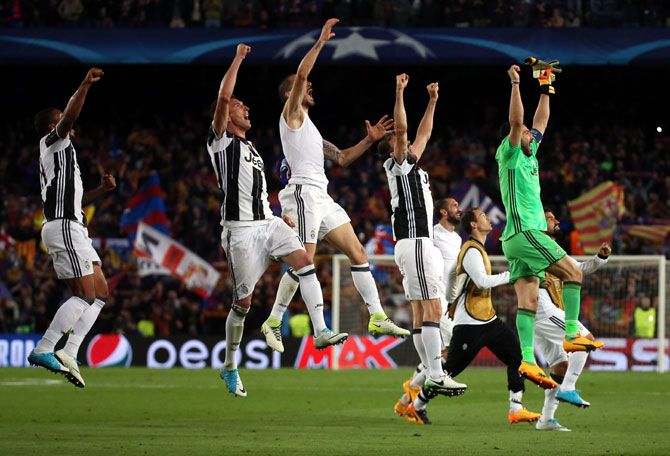Rediff Sports - Cricket, Indian hockey, Tennis, Football, Chess, Golf - Steely Juventus shut down Barcelona to enter semis