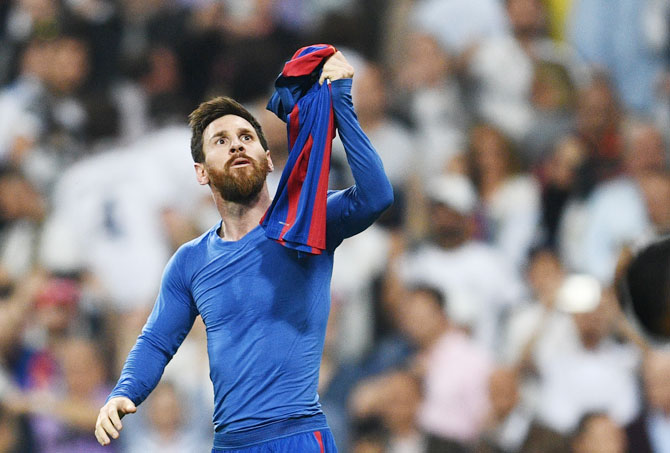 Rediff Sports - Cricket, Indian hockey, Tennis, Football, Chess, Golf - Football Briefs: Argentina want Messi to play less for Barca