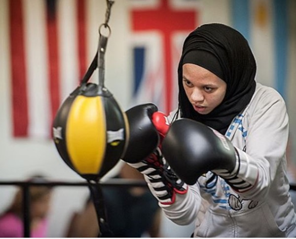 Rediff Sports - Cricket, Indian hockey, Tennis, Football, Chess, Golf - This boxer in fighting in hijab