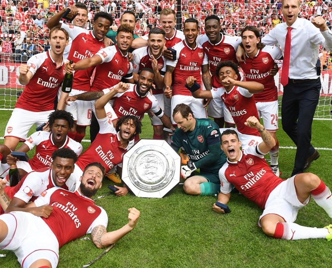 Rediff Sports - Cricket, Indian hockey, Tennis, Football, Chess, Golf - Community Shield: Giroud seals shootout victory for Arsenal