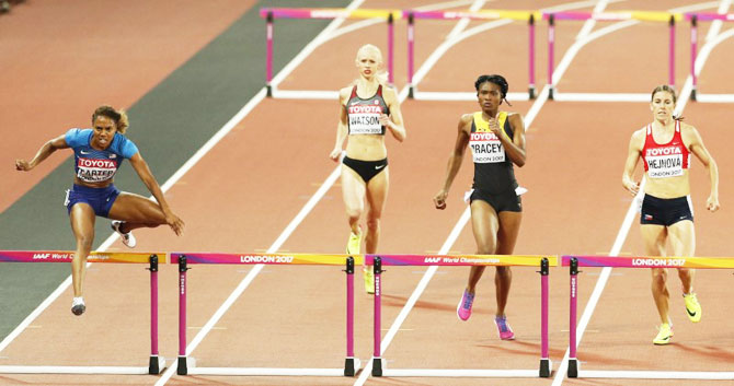 Kori Carter of the US beat the competition to a gold medal in the women's 400 metres hurdles final on Thursday
