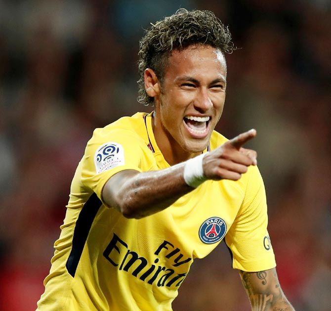 Rediff Sports - Cricket, Indian hockey, Tennis, Football, Chess, Golf - PIX: PSG's big money star Neymar shines on debut