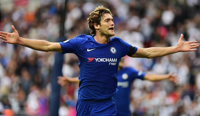 Rediff Sports - Cricket, Indian hockey, Tennis, Football, Chess, Golf - EPL PHOTOS: Alonso double for Chelsea spoils Spurs' Wembley opener