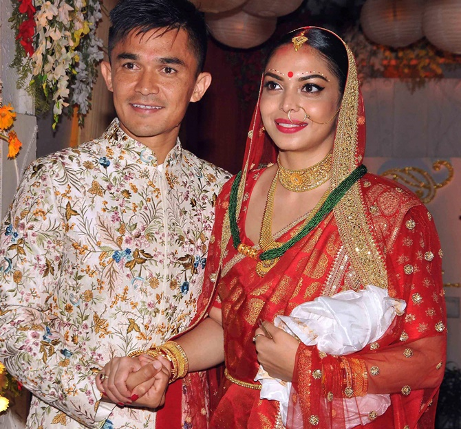 Rediff Sports - Cricket, Indian hockey, Tennis, Football, Chess, Golf - Indian football captain Chhetri gets hitched!