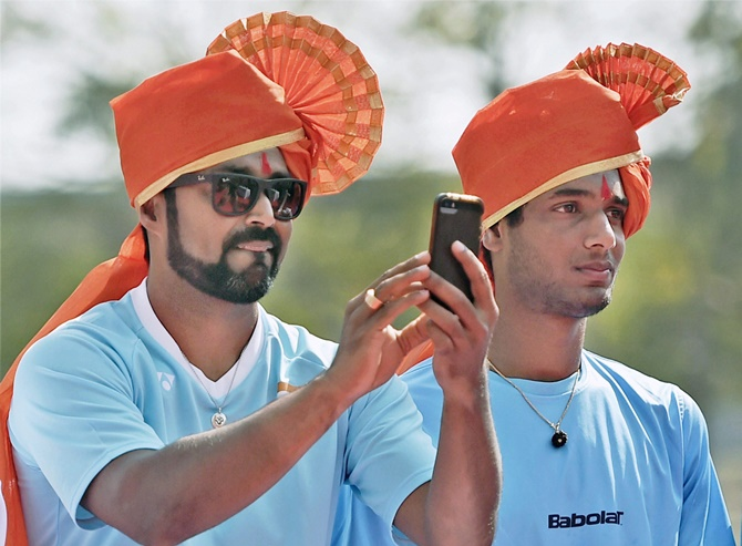 Rediff Sports - Cricket, Indian hockey, Tennis, Football, Chess, Golf - Davis Cup: Paes eyes doubles world record