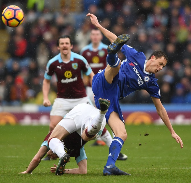Rediff Sports - Cricket, Indian hockey, Tennis, Football, Chess, Golf - EPL: Chelsea go 10 points clear with draw at Burnley