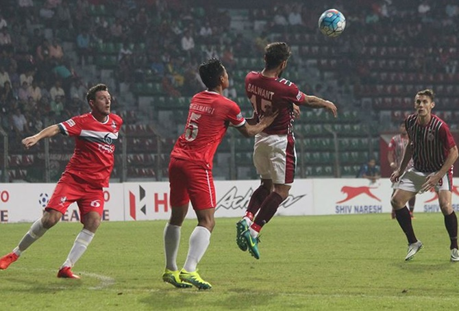 Rediff Sports - Cricket, Indian hockey, Tennis, Football, Chess, Golf - I-League: Mohun Bagan down Shivajians; Mumbai FC hold Bengaluru