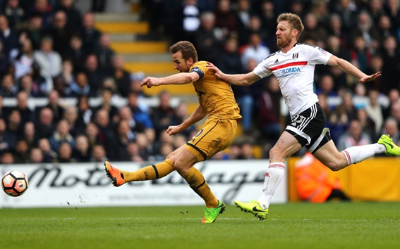 Rediff Sports - Cricket, Indian hockey, Tennis, Football, Chess, Golf - FA Cup: Kane nets hat-trick as Tottenham stroll past Fulham