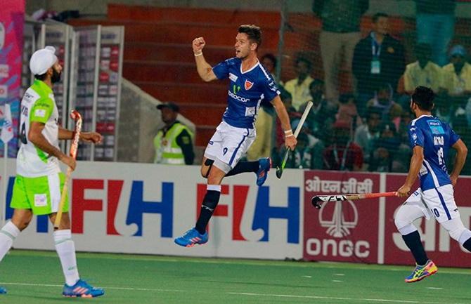 HIL: Dabang Mumbai, Kalinga Lancers storm into final