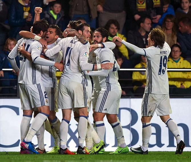 Real Madrid's late comeback stuns Villarreal