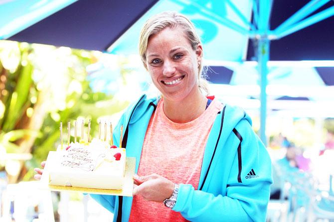 Rediff Sports - Cricket, Indian hockey, Tennis, Football, Chess, Golf - Birthday girl Kerber gifts unnecessary points before winning