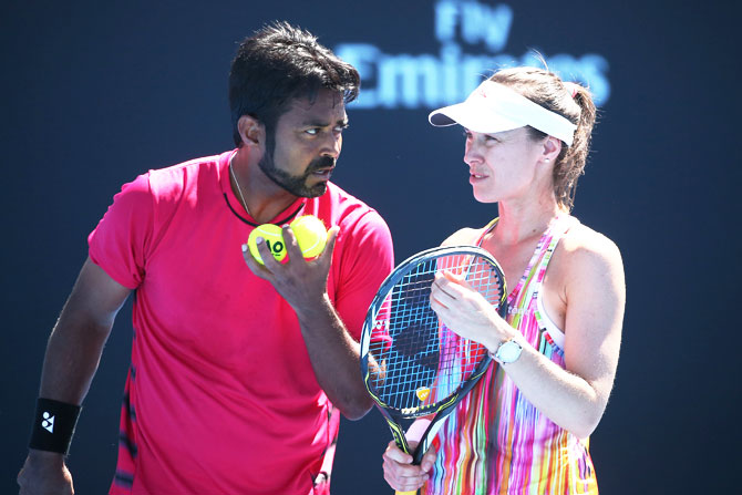 Rediff Sports - Cricket, Indian hockey, Tennis, Football, Chess, Golf - India at Oz Open: Paes in last 16, Sania knocked out in women's doubles
